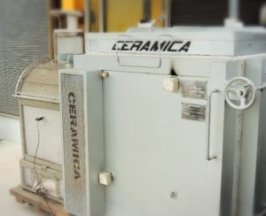 陶芸用電気炉の画像