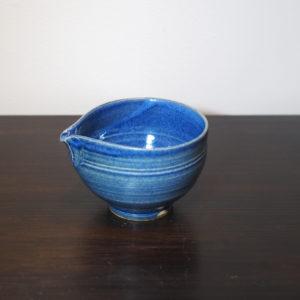 瑠璃釉薬の茶碗の画像