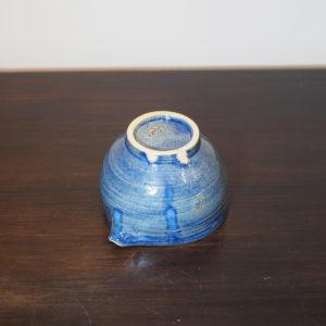 瑠璃色の陶器